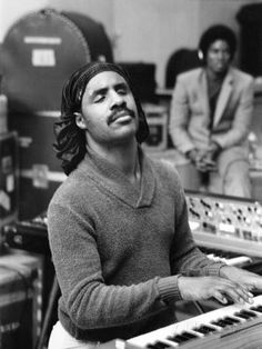 Stevie Wonder - a rare picture without his glasses - 1980 - by Moneta Sleet