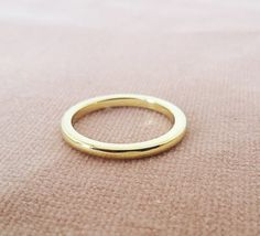 Pair of gold wedding ring, His and hers wedding band, unisex wedding band, flat band wedding ring, simple wedding ring, 18K, 14K solid gold wedding ring  A pair of minimal and modern unisex wedding rings/bands in 18K solid gold. Weight: 8.5gr/ 0.30oz per pair, 4.25gr/0.15oz per band Band size: 2mm*2mm, flat band  Engraving can be done also. Contact me to give you exact price quote.  Instructions to buy: THE PRICE IS PER PAIR! * Pick the color of gold (yellow, rose, white, black...