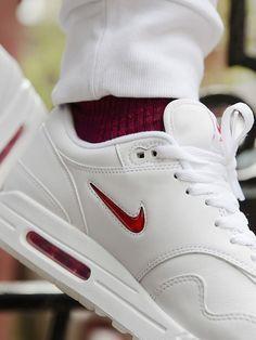 Nike Air Max 1 Jewel Rare Ruby - 2017 (by footpatrol_ldn)