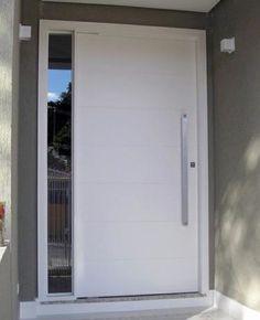 Porta pivotante com portal lateral com vidro fumê