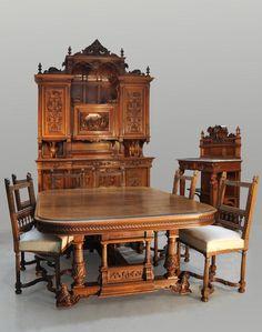 VEROT, ébéniste - Mobilier de salle à manger de style Néo-Renaissance en noyer sculpté