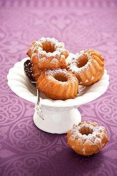 Ricette dolci facili e sfiziose: ciambelle soffici alla cannella. Ricetta top