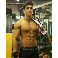 #mulpix This is the good one @fitness_jun @fitness_jun #model #korea #koreaguy