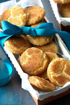 Cinnamon-Sugar Crackle Cookies Recipe -I get lots of compliments on these crunchy cookies. They're always part of my Christmas cookie platter. Christmas Desserts Easy, Christmas Sweets, Christmas Candy, Cookie Desserts, Cookie Recipes, Dessert Recipes, Desserts For A Crowd, Easy Desserts, Tea Cakes