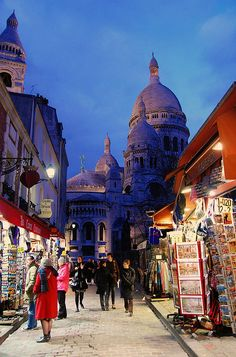 Rue #Montmartre, Paris. Me and mom walked this area too and had the most delicious ham and cheese sandwich from a street vendor- wonderful memories!