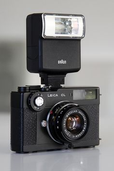 Discover more of the best Leica, Braun, Camera, Equipment, and Photography inspiration on Designspiration Camera Art, Film Camera, Digital Camera, 35mm Film, Photography Camera, Image Photography, Greys Anatomy Funny, Classic Camera, Old Cameras