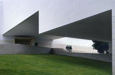 Duccio Malagamba Fotografia de Arquitectura. Facultad de Ciencias de la Comunicación - Álvaro SIZA VIEIRA>