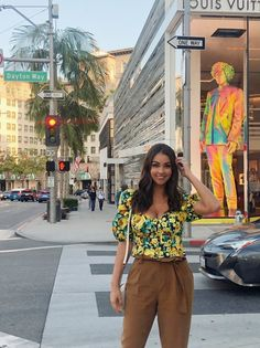 Caucasian Race, Latina, American, Instagram, Blouse, People, Pants, Outfits, Women