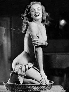 1946 Pin-Up Marilyn en dessous féminin - Divine Marilyn Monroe