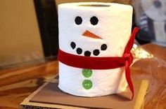 DIY Tissue snowman, for your extra tissue use as your bathroom Christmas decor
