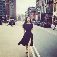 Running around #Tribeca, feeling totally @womeninthistown with my friend @giuseppeinthistown so glad it's finally warm enough for this @tomenyc dress and @manoloblahnikhq flats (without tights! Yay!)