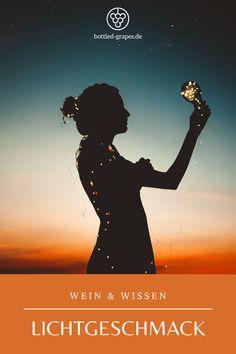 Licht kann einen Wein tatsächlich verderben. Warum das so ist, kannst du auf meinem Blog bottled-grapes.de nachlesen. #wein #weinliebe #weinblog #lichtgeschmack #licht #weinfehler #wissen #weinwissen Good Night, Blog, Betty Boop, Movies, Movie Posters, Good Night Messages, Trust God, Good Day Quotes, Beautiful Pictures