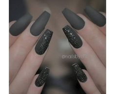 50 Coffin Nail Art Ideas Matte colors, although without the shine, could look fashionably better especially on long nails. Here's a matte black set of nails with little black glitters for accent. Trendy Nails, Cute Nails, Silver Tip Nails, Glitter Nails, Sparkle Nails, Nagel Hacks, Nagel Gel, Long Nails, Short Nails