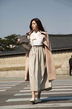 [더고은 생활한복] www.thegoeun.co.kr Korean Traditional Dress, Traditional Fashion, Traditional Dresses, Blazer Fashion, Winter Fashion Outfits, Autumn Fashion, Modest Wear, Modest Outfits, Smart Styles