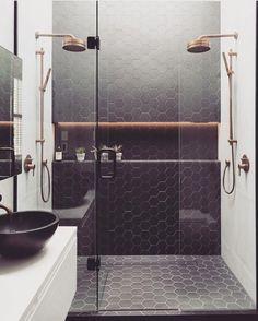 """2,966 curtidas, 68 comentários - ⠀⠀⠀⠀⠀⠀⠀⠀AH! Lá em casa (@ahlaemcasa) no Instagram: """"Coisa mais elegante é um nicho iluminado! É sim! Autor desconhecido #ahlaemcasa #banheiro #nicho…"""""""