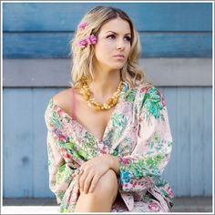 For the bloom of getting ready...    Kimono Style Robe. Knee Length. Pink Love Poppy - Plum Pretty Sugar