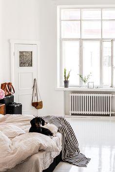 2015-08-16-stellaharasek-kohtauksia-1 Interior Design Inspiration, Home Interior Design, Room Inspiration, Modern Bedroom Decor, Home Bedroom, Build Your Own House, Beautiful Bedrooms, Apartment Design, House Rooms