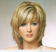 short to medium length hairstyles for women over 40 (5)