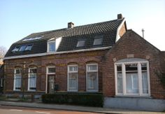 Toon Janssens lived here in 1870. He also had  a Home-Café, named  'In den Engel/In the Angel'. His son was Mayor of Zeelst from 1892 to 1915. Binnenweg  9  Zeelst, Netherlands. March 11th, 2014