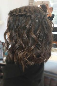 33 Romantic Looks with a Waterfall Braid # Braid .- 33 Romantische Looks mit einem Wasserfall Braid # Braid 33 romantic looks with a waterfall braid # braid - Prom Hairstyles For Short Hair, Braids For Short Hair, Box Braids Hairstyles, Pretty Hairstyles, Short Braided Hairstyles, Festival Hairstyles, Heart Hairstyles, Teenage Hairstyles, Graduation Hairstyles