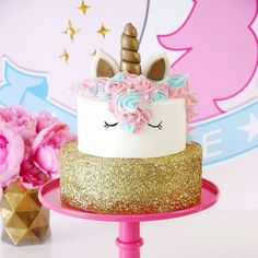 Unicorn Birthday Cake BirdsParty.com #desserts #cakeme #f52grams #bhgfood #sweetascandy #yahoofood #huffposttaste #abmlifeissweet #unicorn #cakeitpretty #foodie #yum #tasty #festa #festas #bhgcelebrate #foodblogger #bhgfood #foodie #forkfeed #buzzfeast #buzzfeedfood #thekitchn#feedfeed #foodgawker #unicornparty #birthdaycake