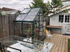 Very good looking greenhouse at a very good price Mini Greenhouse, Greenhouse Ideas, Outside World, Balcony Ideas, Greenhouses, Jun, Small Spaces, How To Look Better, Deck