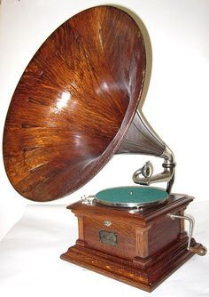 Wooden horn- so pretty phonographs for sale antique phonographs graphophones gramophones talking machines Edison Victor RCA Columbia