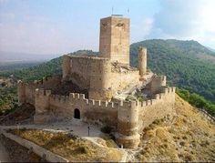 Castillo de Biar (Alicante). Se levanta sobre un cerro en la comarca del Alto Vinalopó.