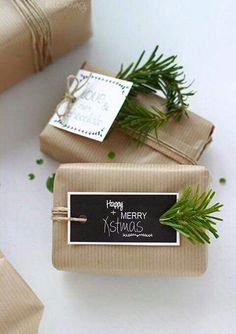 Creative Christmas Gift Wrapping Ideas – All About Christmas Christmas Gift Wrapping, Diy Christmas Gifts, All Things Christmas, Christmas Time, Holiday Gifts, Christmas Decorations, Rustic Christmas, Christmas Ideas, Christmas Printables