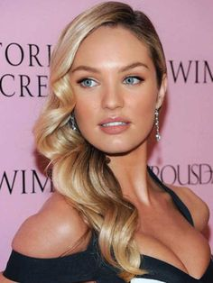 Beautiful Side Part Hairstyles for Medium Length Hair