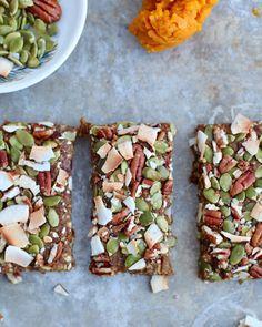 14. Vegan Pumpkin Pie Energy Bars #bars #cheap #recipes http://greatist.com/eat/diy-energy-protein-bar-recipes