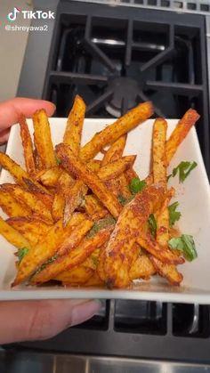 Easy Cooking, Cooking Recipes, Good Food, Yummy Food, Aesthetic Food, Food Cravings, Food Hacks, Indian Food Recipes, Food Videos