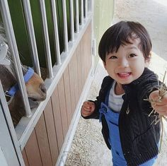 Cute Asian Babies, Korean Babies, Asian Kids, Father Photo, Ulzzang Kids, Baby Needs, Baby Fever, Baby Pictures, My Children