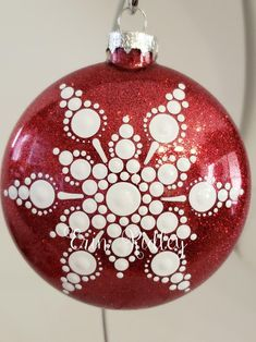 ✔ Drawing Christmas Ornaments How Painted Christmas Ornaments, Glitter Ornaments, Christmas Ornament Sets, Christmas Balls, Christmas Art, Handmade Ornaments, Ball Ornaments, Homemade Christmas, Beautiful Christmas