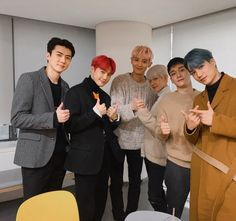 Baekhyun, Park Chanyeol, Baekyeol, Chanbaek, K Pop, Chen, Exo Dear Happiness, Exo Group Photo, Kai