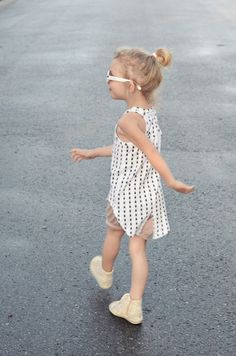 beetle tank top:Nosweet korte broek: pinkstars shorts Kids On The Moon te koop bij www.kidsfinest.nl photo by: kaszkazmlekiem.wordpress.com