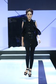CARRIE PARRY   Sleeveless Layered #Classic #Tunic   Bangkok Fashion Show, Biff  Bil 2014   carrieparry.com