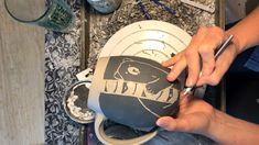 Pottery Bear Mug Sgraffito Carving of a Black Bear Mug Glazes For Pottery, Pottery Mugs, Pottery Bowls, Ceramic Pottery, Pottery Art, Pottery Painting, Ceramic Painting, Ceramic Mugs, Ceramic Art