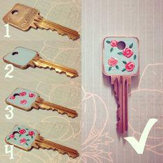 DIY: Lacquered Vintage Rose Key…
