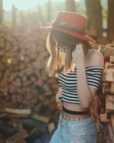 "32.3 mil Me gusta, 325 comentarios - Judith Jaso (@jasojudith) en Instagram: ""Amores, como ya os he dicho por InstaStories, @qbitapp va bastante mejor Os dejo el link directo…"" Selfies, Anatomy Poses, Tv Decor, Photos Tumblr, Action Poses, Photography Poses, Youtubers, Clothes For Women, Instagram Posts"