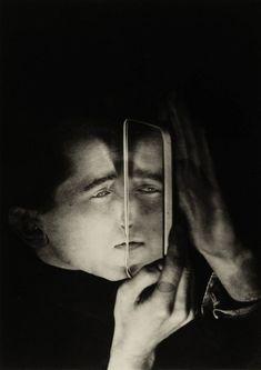Albert Braun with mirror, 1928 Lotte Stam Beese