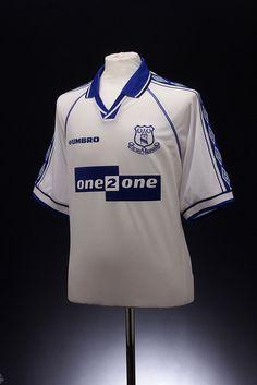 Everton Football Shirt (1998-1999, away)
