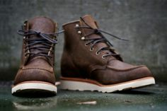 Ronnie Fieg for Chippewa 2011 Fall/Winter Boots: After speaking glowingly about his contribution to Chippewa in NYC designer Ronnie Fieg is Red Wing Boots, Botas Red Wing, Brown Boots Men, Me Too Shoes, Men's Shoes, Shoe Boots, Dress Shoes, Guy Boots, Rock Boots