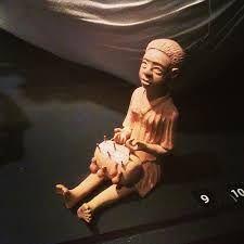 Muñeca encajera de barro ( Portugal - Brasil )