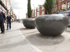 Bellitalia Planters, La Linia Paving & Conservation Smooth Paving, Waarington