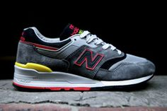 NEW BALANCE 997 – MADE IN U.S.A (DARK GREY) - Sneaker Freaker