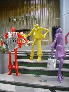 ION, Orchard Road, Singapore  http://www.fashionstudiomagazine.com/2012/05/stylish-destinations-singapore.html