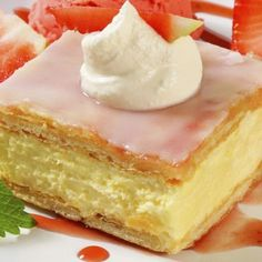 A Sweet and tasty recipe for vanilla custard slice. Vanilla Custard Slice Recipe from Grandmothers Kitchen. Vanilla Recipes, Sweet Recipes, Baking Recipes, Cake Recipes, Dessert Recipes, Dutch Recipes, Dessert Ideas, Custard Slice, Vanilla Custard