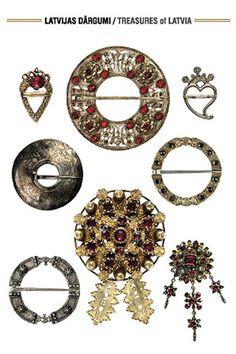 Rotas lietas pie tautas tērpa. Saktas. Latvija. 17.–19. gs. Dizains: Zane (sadarbībā ar LNVM)