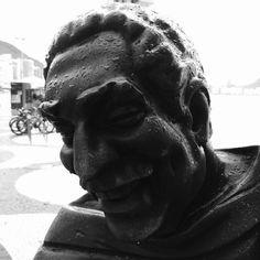 Dorival Caymmi  #RiodeJaneiro #Brazil #RiodeJaneiro #people #monochrome #outdoors #portrait #wear #statue #sculpture #shadow #travel #traveling #visiting #instatravel #instago #architecture #music #bestsong #tree #estatua #streetart #brasilia #bnw #bw_lover #ipreview @preview.app